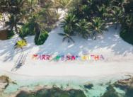 Hochzeitsvorschlag mit Hubschrauberflug und Abendessen an einem einsamen Strand {Eddie und Samantha}